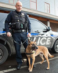 """c30c06087d8b """"From the minute I put this uniform on to the minute I take it off, I'm  alert,"""" says canine patrol officer James Kinsella, an 11-year-veteran with  the Bend ..."""